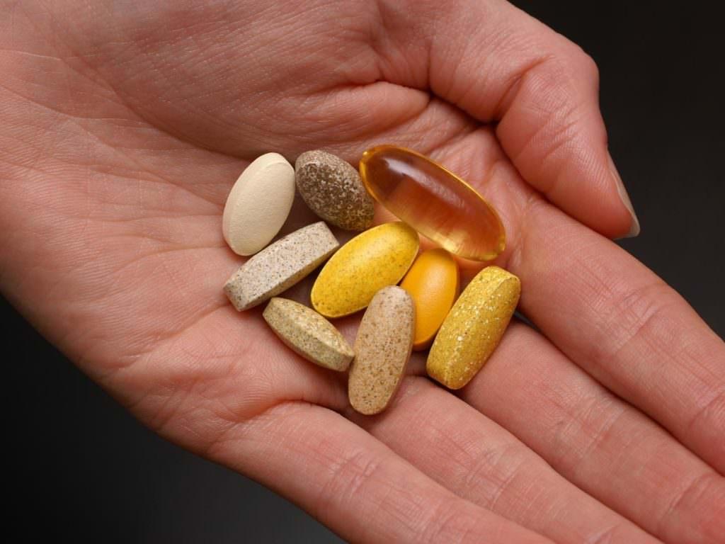 Ученые: Пьете витамины для здоровья? Они смертельно опасны!