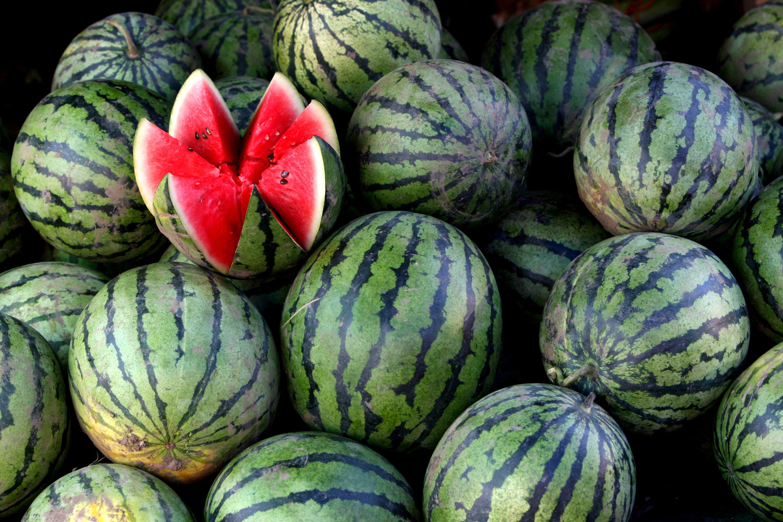 Как выбрать спелый и сладкий арбуз без нитратов?