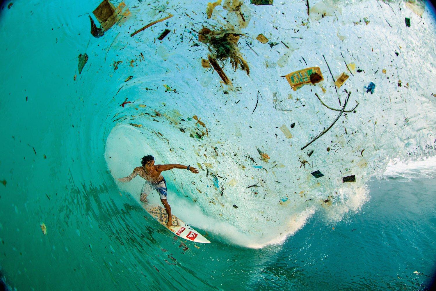 Каждую неделю мы съедаем до 5 граммов пластика: Это опасно?