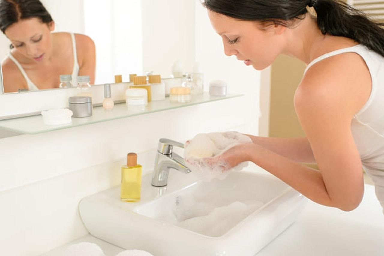 Какое мыло лучше — жидкое или твердое?