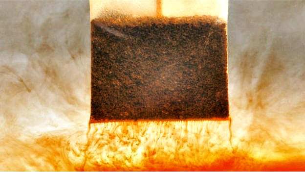 Ученые: Вместо чая из пакетика мы пьем пластиковый бульон