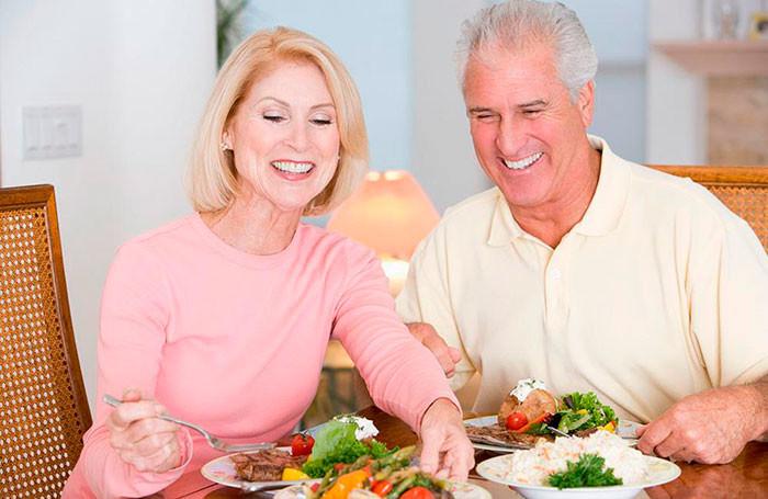 Еда против старости: Как питаться в зрелом возрасте, чтобы быть здоровым?