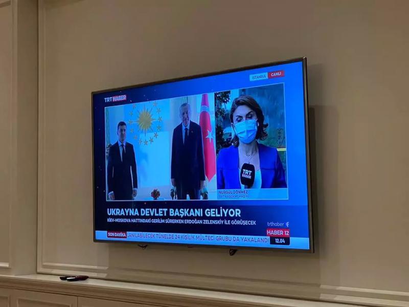 Зеленский прибыл с официальным визитом в Турцию (фото)